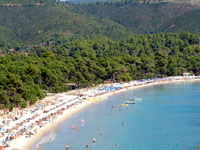 Koukounaries Beach - A popular Anchorage for charter yachts